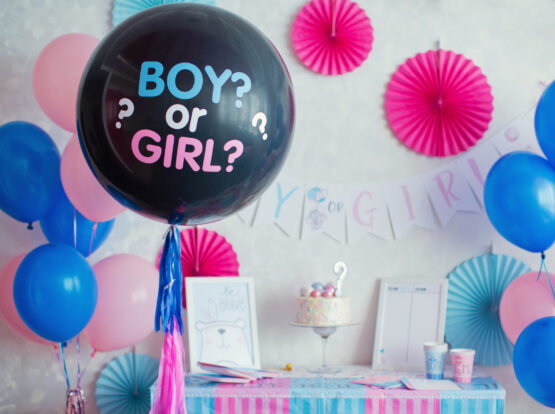 blue and pink balloons for gender reveal party Seattle wa